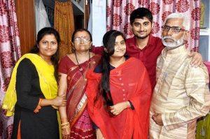 Deepak Thakur in Bigg boss 12 wiki bio girlfriend family height weight