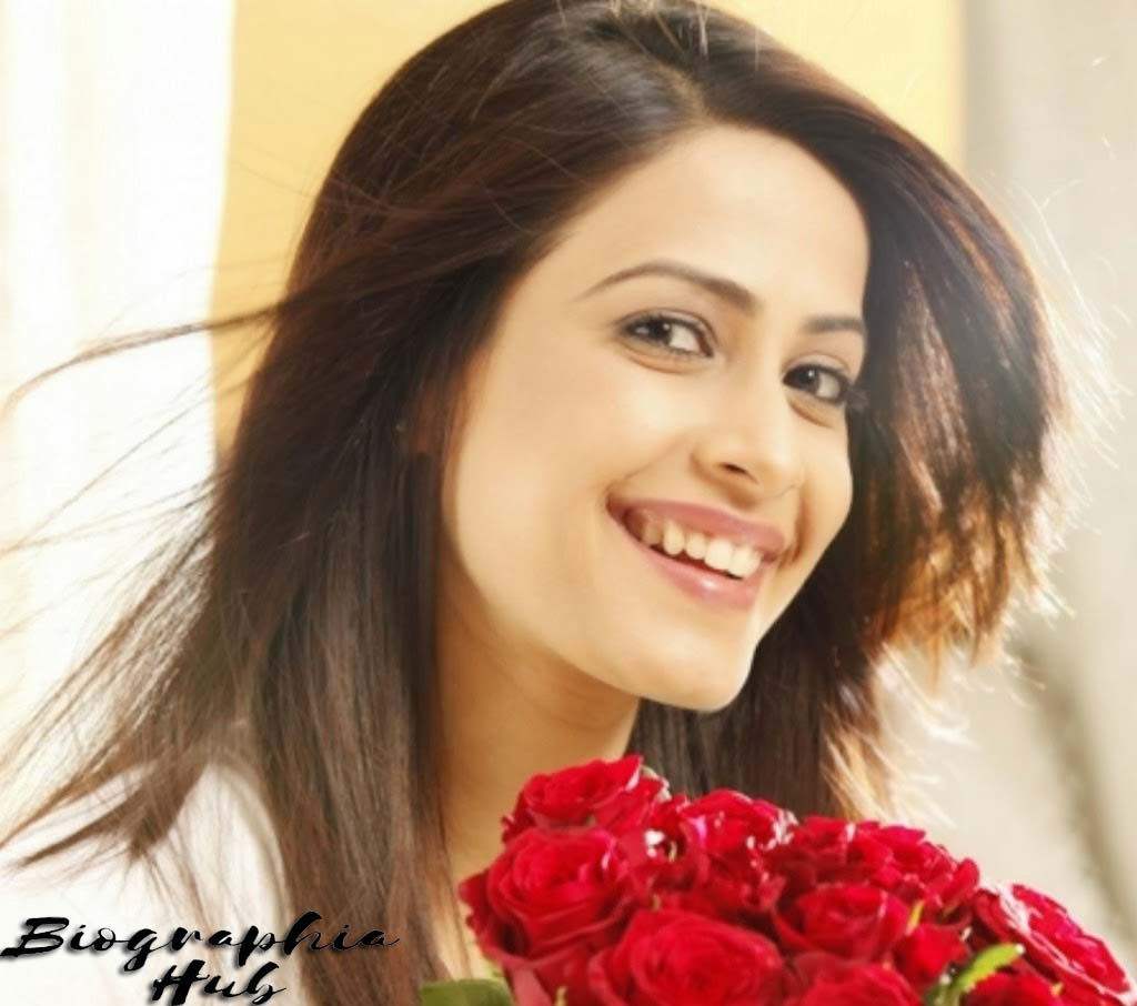picture of dimple jhangiani