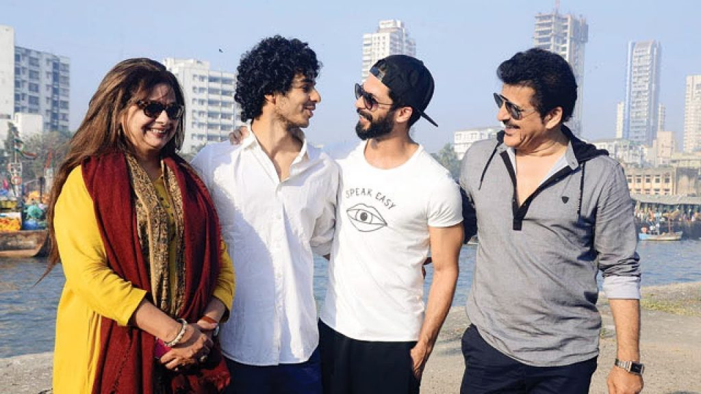 Ishaan Khatter with his family