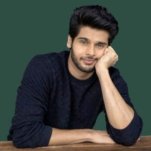 Abhimanyu Dasani Biography, Wiki, Birthday, Age, Height, Girlfriend, Family, Career, Instagram, Net Worth
