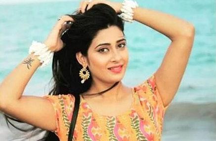 Preetika Chauhan biography, Wiki, Birthday, Age, Height, Boyfriend, Family, Career, Instagram, Net Worth