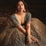 Janhvi Kapoor Biography, Wiki, Birthday, Age, Height, Boyfriend, Family, Career, Instagram, Net Worth